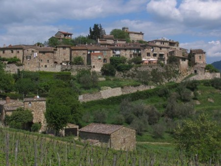 Montefiorale, a typical rest stop on a Tuscan hike.