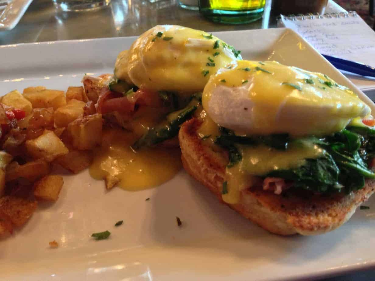 Downtown Portland brunch place Mama Mia has an awesome Prosciutto Benedict
