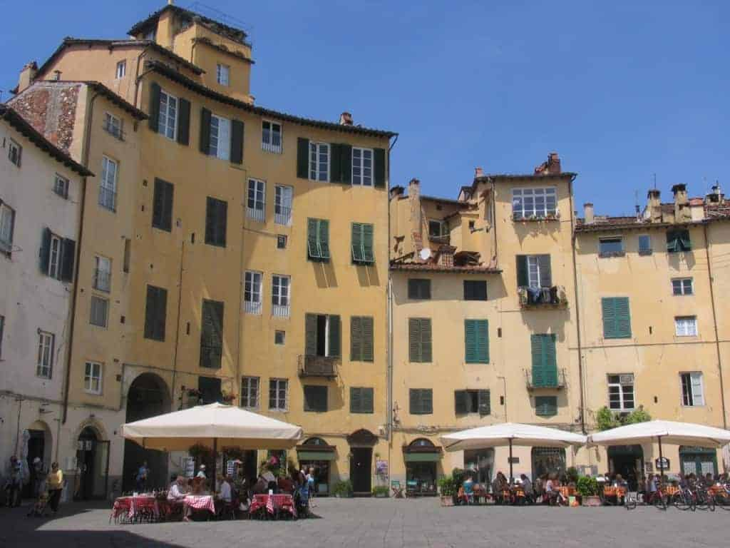 The famous Piazza Ampiteatro in Lucca.
