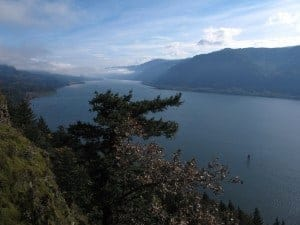 The Cape Horn Loop is one of the best gorge hikes and fall colors hikes.