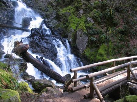 beacon rock state park hardy falls