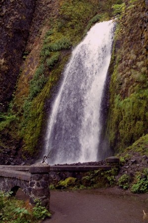 wahkeena falls trail columbia river gorge oregon