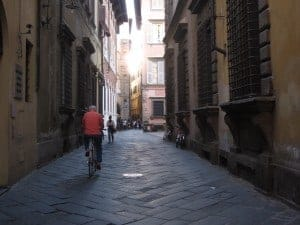 lucca-street-view