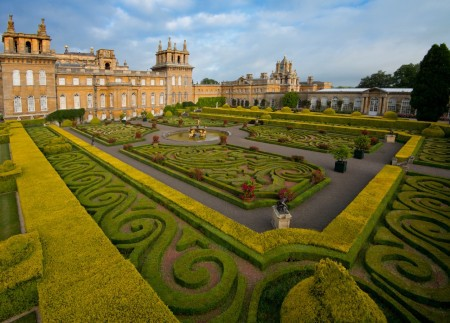 Blenheim Palace Italian Garden Cotswold Way