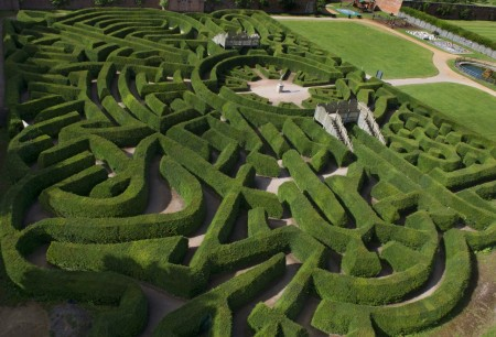 Blenheim Palace Pleasure Gardens Hedge Maze Cotswold Way