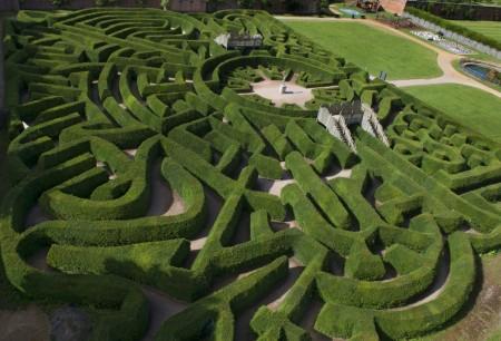 Blenheim Palace Pleasure Gardens Hedge Maze Cotswold Way