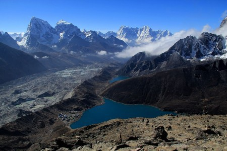 Gokyo Lakes from Kogyo Ri (source: Wang Lama Humla on Wikimedia