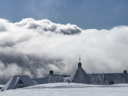 mount hood express bus to timberline lodge